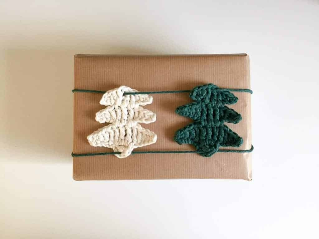 Christmas Wrapping Crochet Pattern Design