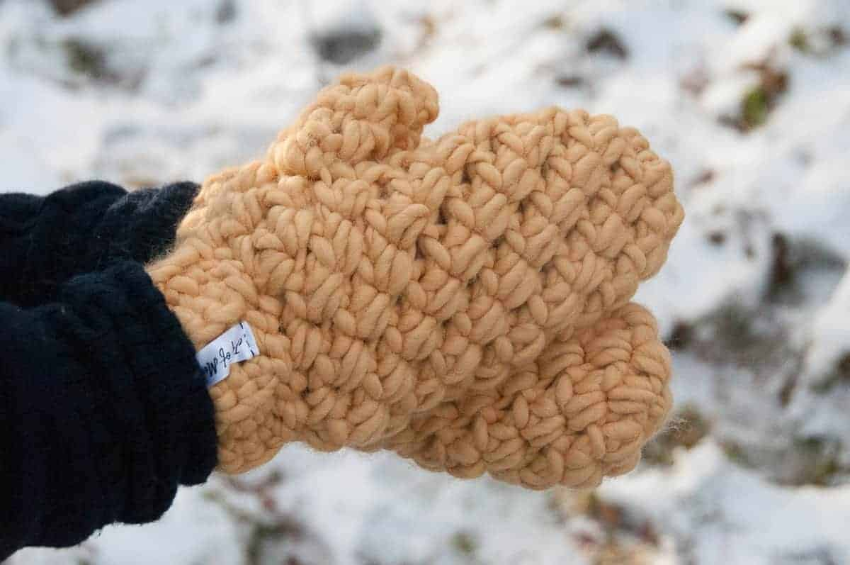 crochet bulky mittens free crochet pattern, really warm winter bundle bulky mittens crochet pattern design