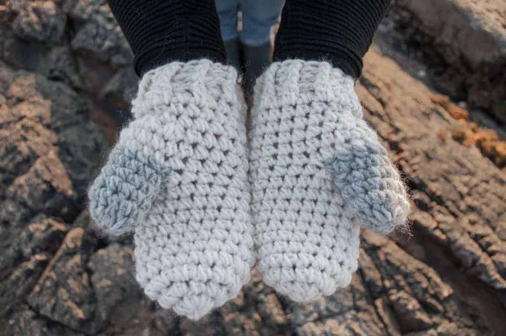 Scato Mittens Materials Needed Easy Crochet Pattern Joy Of Motion