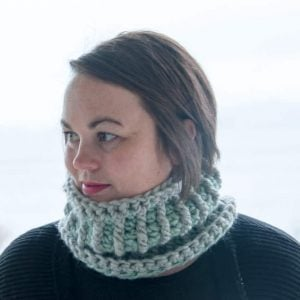 stella mini cowl crochet pattern design