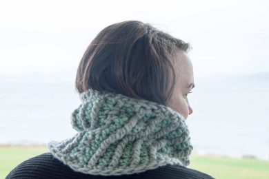 Stella Mini Cowl Crochet Pattern Design – Skill Level Intermediate