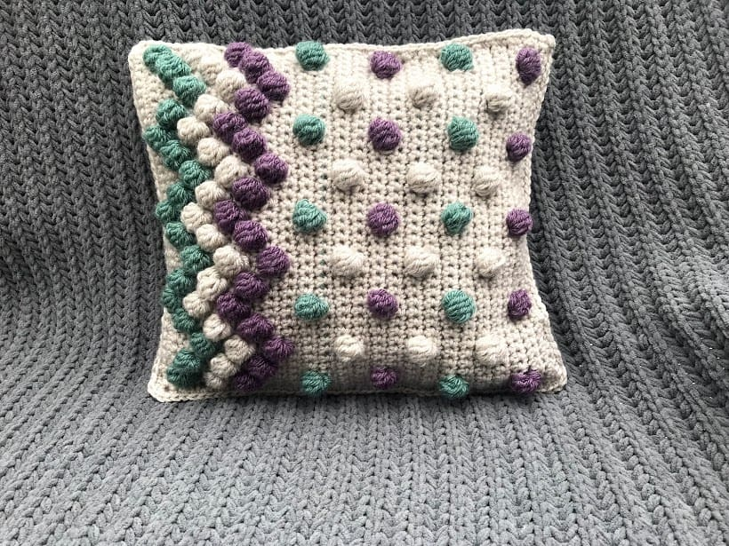 zigzag bobble pillow free crochet pattern