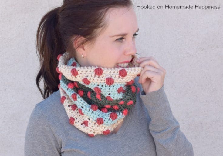 Bobbles of Fun Cowl Crochet Pattern
