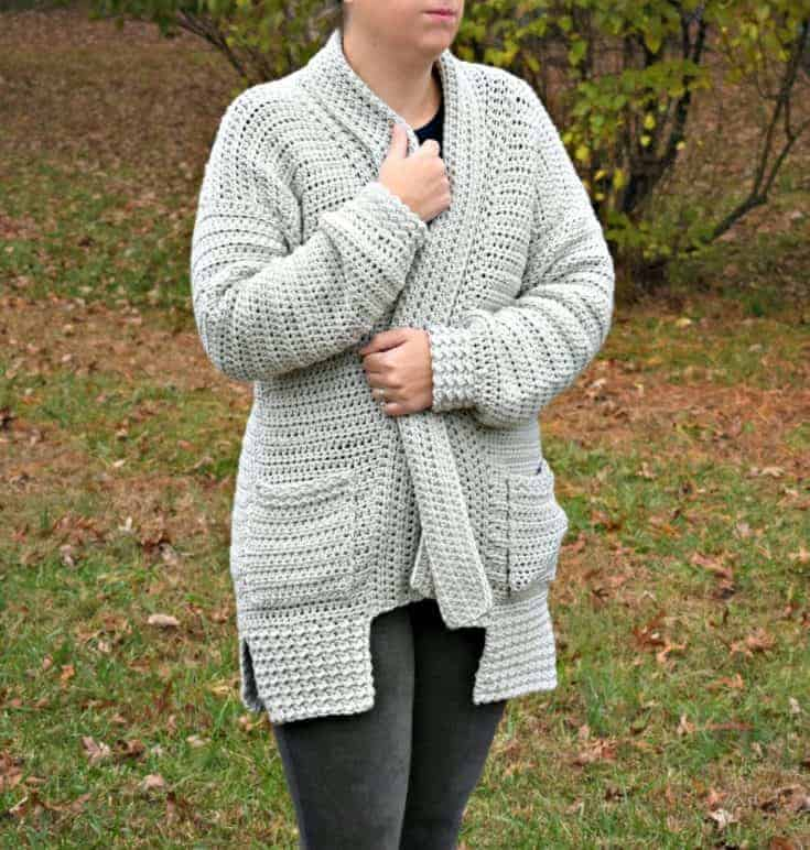 Bellevue Crochet Cardigan - A free pattern by Croyen Crochet