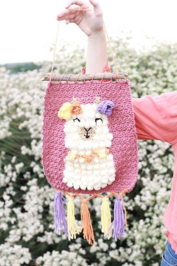 How to Crochet a Llama Wall Hanging