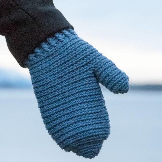 Easy Warm Winter Mittens - FREE Crochet Pattern